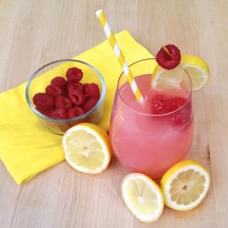 Lemonade with Raspberry Ice Cubes