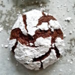 square picture of chocolate crinkle cookies.